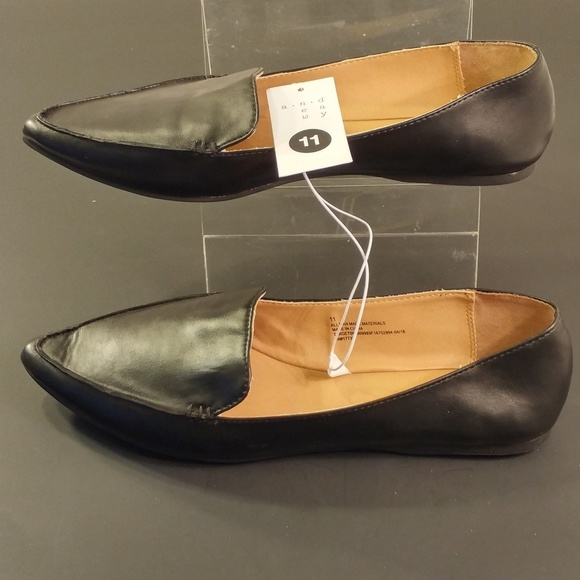 Womens Micah Pointy Toe Loafers Black 1
